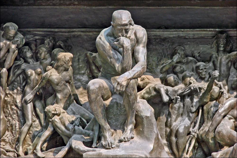 Le_penseur_de_la_Porte_de_lEnfer_(musée_Rodin)_(4528252054) (1)
